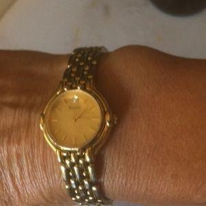 Bulova Accessories - Bulova gold watch new battery